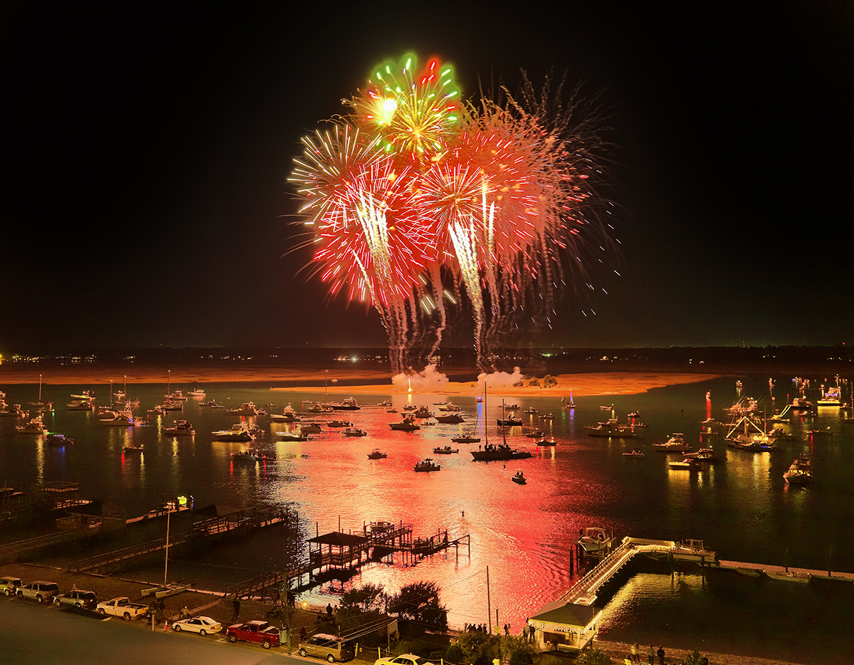 31st N C Holiday Flotilla And Fireworks Nc Press Release